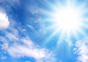 夏の照りつける日差し